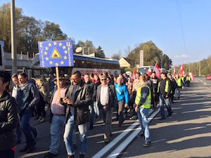 Anti-refugee demonstrators march near the Austria-Slovenia border near Spielfeld in November 2015. (photo by author)