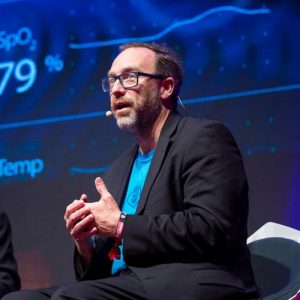Wikipedia founder Jimmy Wales discusses FandomPhoto ©Daisuke Yoshinari