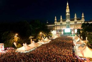 Rathaus_011_Fan_Zone_For_more_events_01